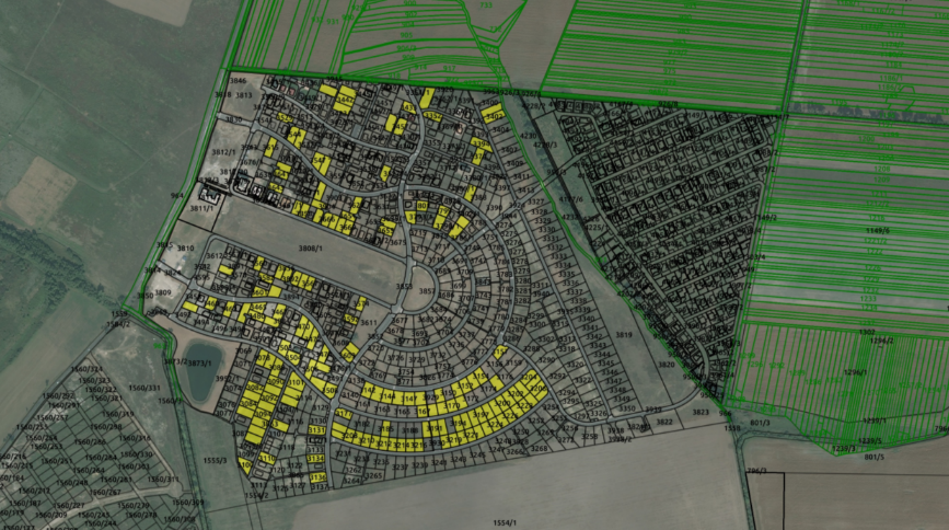 0215b8b86 ... ktorých výmera je nad 100 m2 a druh pozemku je Zastavaná plocha a  nádvorie. Príkaz a jeho výsledok v prostredí softvéru QGIS na podklade  pripojenej ...